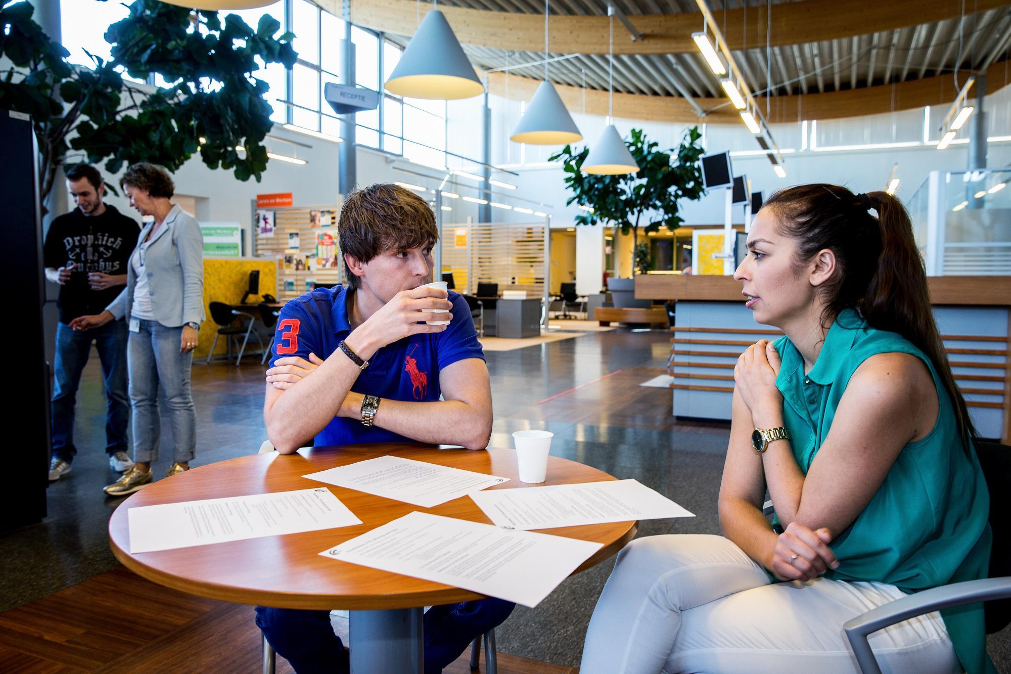 Werkgevers en werkzoekenden kunen elkaar ontmoeten tjidens een workdate