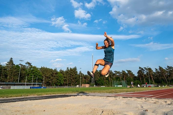 Lisa Cornelissen aan het trainen bij HAC voor de Paralympics